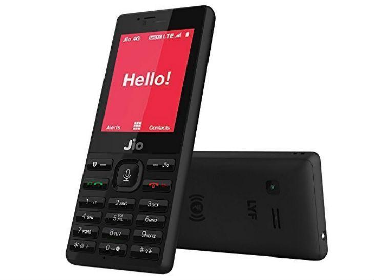 स्मार्टफोन से कम नहीं है ये 6 फीचर फोन, सोशल-मीडिया ऐप्स चलाने के साथ बीपी और हार्ट-रेट भी माप सकते हैं