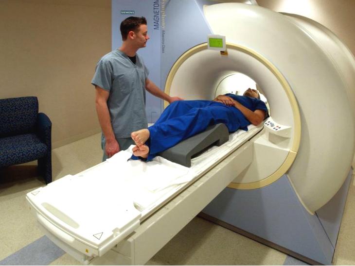 Magnetic Resonance Imaging (MRI) and Ultrasound Cost Update From Delhi Sikh Gurdwara Management Committee | दिसम्बर से 50 रु. में MRI और 150 रु. में अल्ट्रासाउंट करवा सकेंगे मरीज, गुरुद्वारे में खुलेगा देश का सबसे सस्ता डायग्नोस्टिक सेंटर
