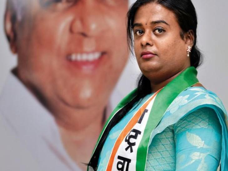 प्रिया पाटिल का सपना संसद में पहुंचकर अपने समुदाय की आवाज को बुलंद करने का है।