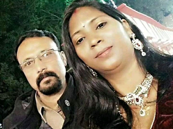 पत्नी सुजाता के साथ विजय कृष्ण। -फाइल फोटो।