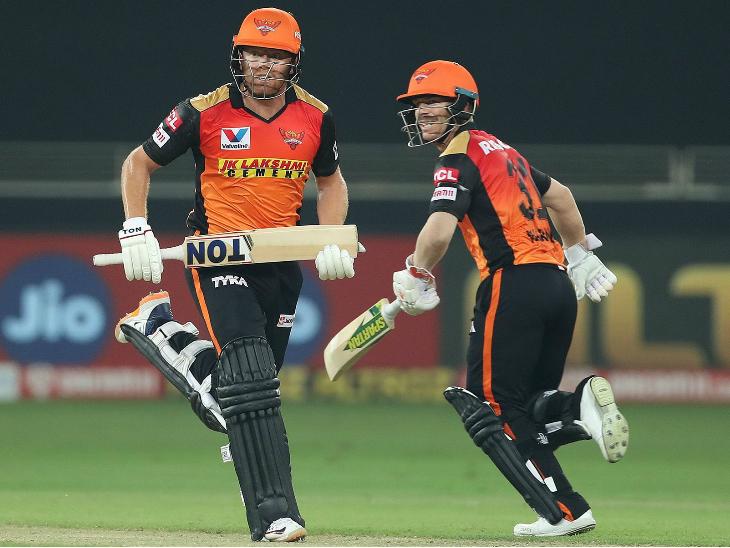 जॉनी बेयरस्टो (97) और डेविड वॉर्नर (52) ने पहले विकेट के लिए 160 रन की साझेदारी की। यह हैदराबाद की ओर से आईपीएल में किसी भी विकेट के लिए 23वीं शतकीय साझेदारी है।