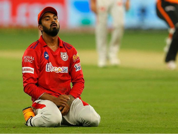 किंग्स इलेवन पंजाब के कप्तान लोकेश राहुल ने जॉनी बेयरस्टो का कैच टपकाया था। उस वक्त बेयरस्टो 19 रन पर खेल रहे थे। पंजाब को यह कैच छोड़ना काफी महंगा पड़ा।