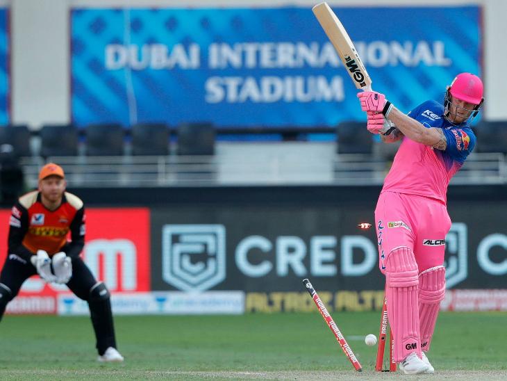 यूएई में क्वारैंटाइन पीरियड पूरा करने के बाद राजस्थान की टीम में वापसी कर रहे बेन स्टोक्स 5 रन बनाकर आउट हुए।
