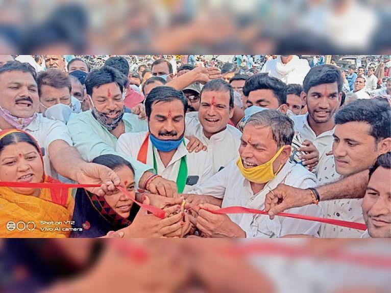 भाजपा प्रत्याशी ने फार्म भरा, आज करेंगे जमा, कांग्रेस प्रत्याशी 13 को करेंगे दाखिल राजगढ़ (भोपाल),Rajgarh (Bhopal) - Dainik Bhaskar