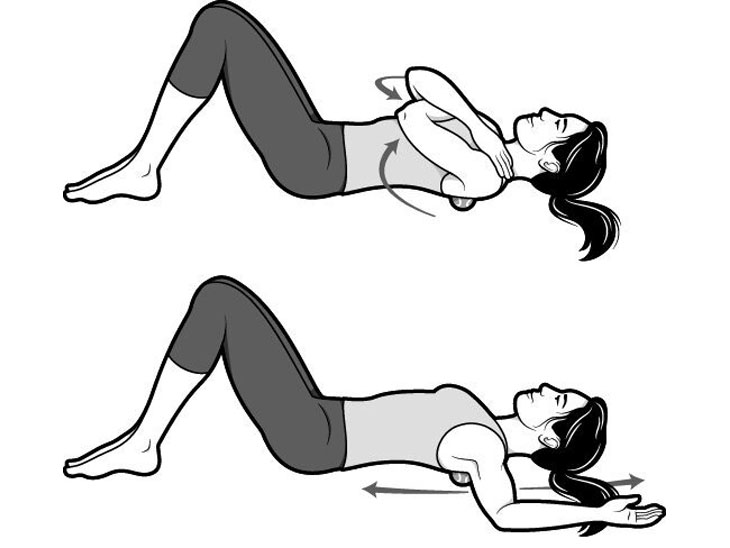 इन दो एक्सरसाइज के जरिए हम अपने सीने, कमर और कंधों के तनाव को कम कर सकते हैं। साथ ही साथ उठने-बैठने और चलने में हो रही समस्या भी कम हो सकती है। इसके लिए कमर के बल बैठ जाएं और कंधों के बीच में दो गेंद रख लें, अपने घुटने को मोड़े रखें और पैर को जमीन पर रखें। ऐसा करने के बाद अपने सिर को जमीन में रख दें और इसी मुद्रा में 4 से 5 बार सांस लें और छोड़ें।