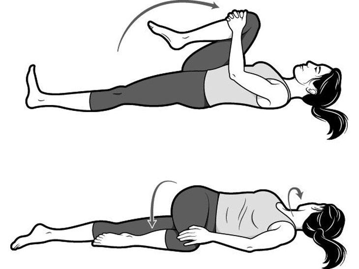 इस एक्सरसाइज के जरिए कूल्हों और कमर को स्ट्रेच करते हैं। अपने दोनों पैरों को एक-दूसरे से दूर करें और फिर उसको एक-दूसरे के पास ले आएं। दाहिने घुटने को सीने तक लाने का प्रयास करें। ऐसा करके अपनी सांस को जितना ज्यादा हो सके उतनी देर रोकें। अपने दाहिने घुटने को वापस नीचे ले जाएं और बाएं पैर की ओर थोड़ा ट्विस्ट करें। ऐसा करने के बाद अपनी निगाहों को दाहिने और बाएं ले जाएं। ऐसा करते हुए 5 से 10 बार गहरी सांस लें।
