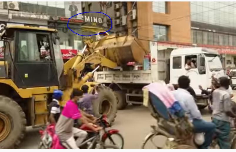रिक्शा जब्त होने पर रोते हुए युवक का मार्मिक वीडियो शेयर कर भारतीय यूजर्स ने सरकार को कोसा, पड़ताल में मामला बांग्लादेश का निकला