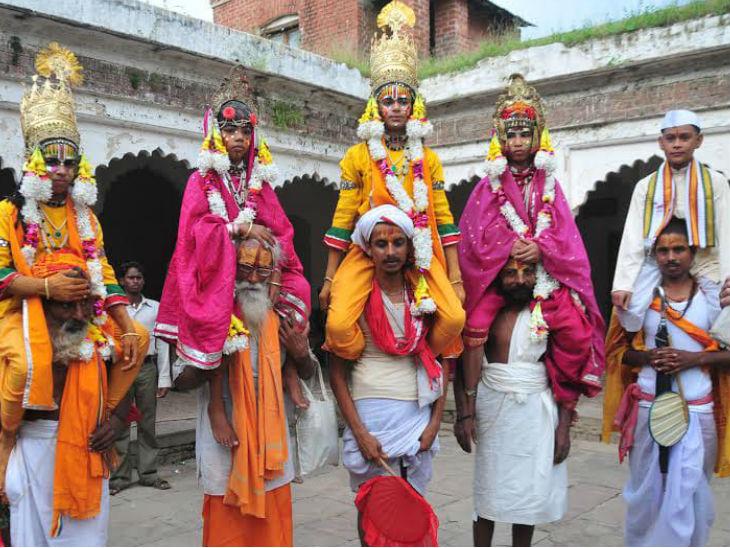 रामनगर की रामलीला का एक दृश्य।