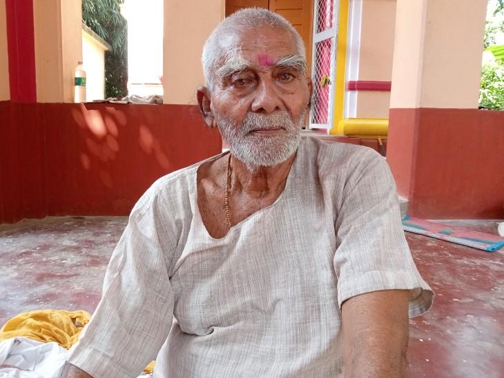 डॉ. राजेंद्र प्रसाद के नाम पर इंटरनेशनल लाइब्रेरी और रिसर्च सेंटर बनाने के लिए जमीन दान करने वाले सुरेंद्र सिंह।