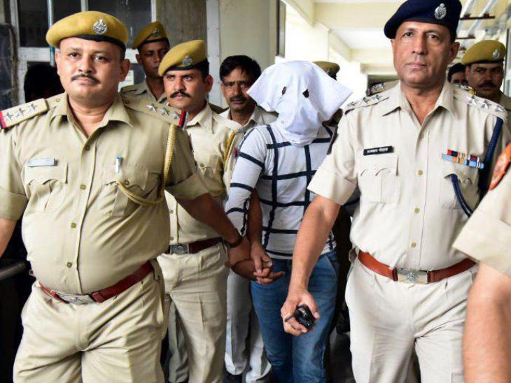 घटना के छह दिन बाद 7 जुलाई को पुलिस ने जीवाणु को कोटा से गिरफ्तार किया था।