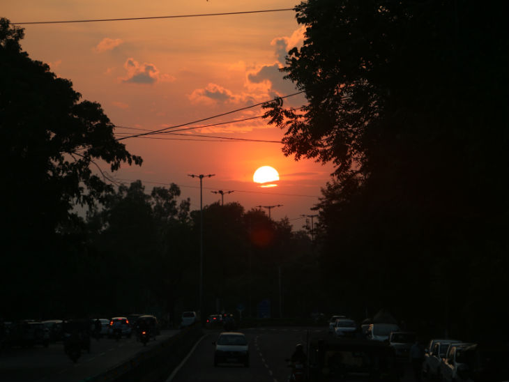 Evening view on Link Road No-1 of Bhopal. Photo- Anil Dixit