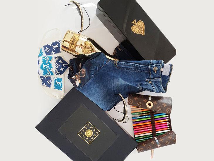 दुनिया भर में जो 20 मिनी पार्टी रखी गईं थीं, उनके हर होस्ट को धन्यवाद देने के लिए 3 हजार पाउंड का गुडी बैग दिया गया।