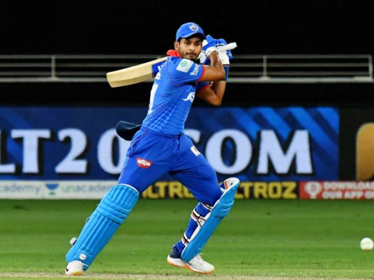दिल्ली के कप्तान श्रेयस अय्यर ने 43 बॉल पर 3 चौके और 2 छक्कों की मदद से 53 रन बनाए। आईपीएल में अपनी 15वीं फिफ्टी लगाई।