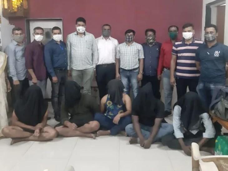 सभी पांचों आरोपियों को पुलिस ने गिरफ्तार कर लिया है।