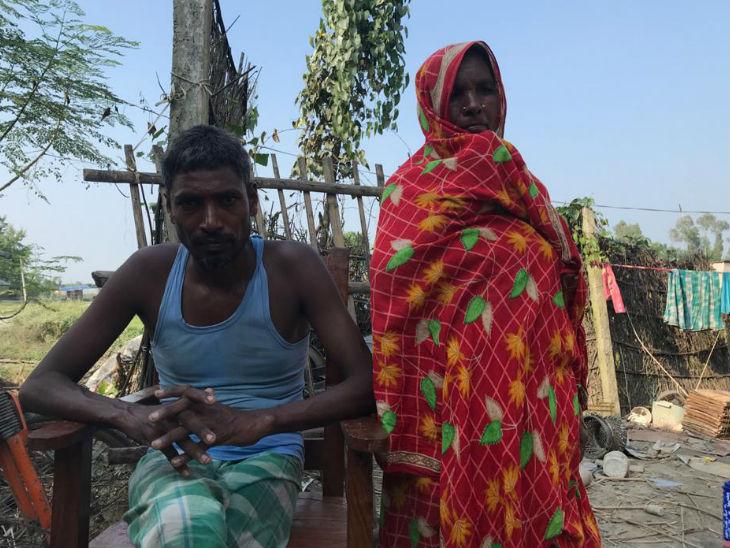 60 साल की जैबुन निशा अपने भाई जिया उल हक के साथ।