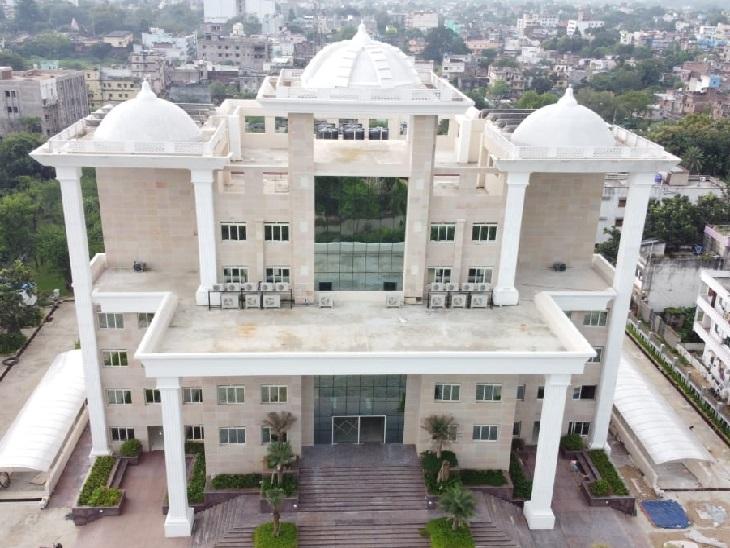 नगर निगम भवन का निर्माण 2017 में शुरू हुआ था। इस बनाने में लगभग 30 करोड़ रुपए की लागत आई है।