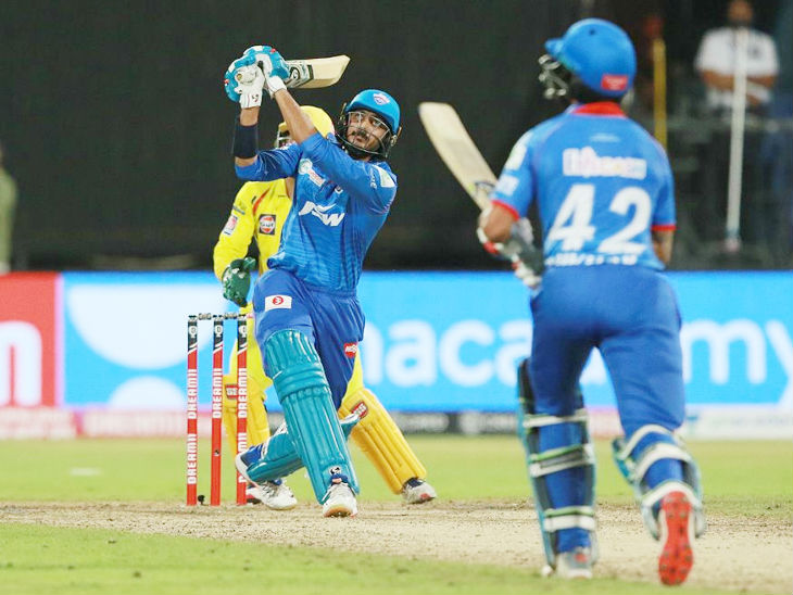 Akshar Patel played 4 balls in the last over and hit 3 sixes to win the match to Delhi. For Chennai, this over-spinner Ravindra Jadeja did it.
