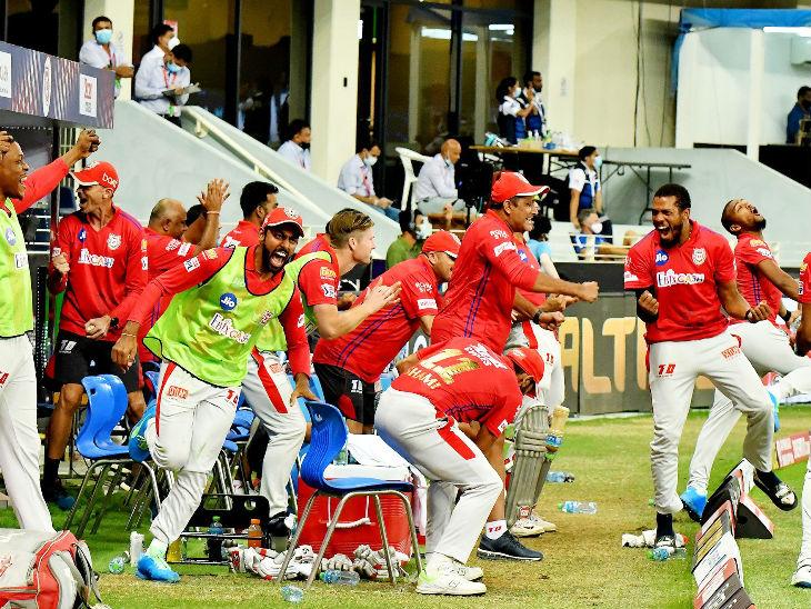 जीत के बाद किंग्स इलेवन पंजाब के कोच अनिल कुंबले और पूरी टीम कुछ इस तरह खुश नजर आई।