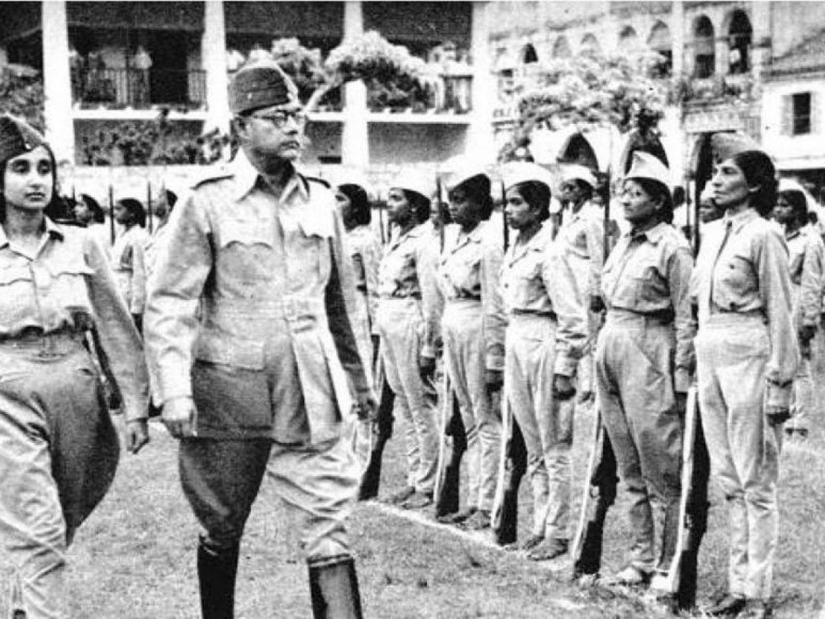 सिंगापुर में नेताजी ने आजाद हिंद फौज में महिला रेजिमेंट का गठन किया था, जिसकी कमान कैप्टन लक्ष्मी स्वामीनाथन के हाथों में थी। इसे रानी झांसी रेजिमेंट भी कहा जाता था।