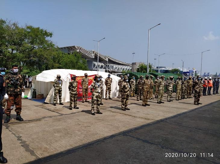 मॉक ड्रिल में चार एजेंसियों ने हिस्सा लिया, जिसमें एयरपोर्ट अथॉरिटी की फायर विंग के साथ ही एनडीआरएफ, एसडीआरएफ और सीआईएसएफ भी शामिल थी।