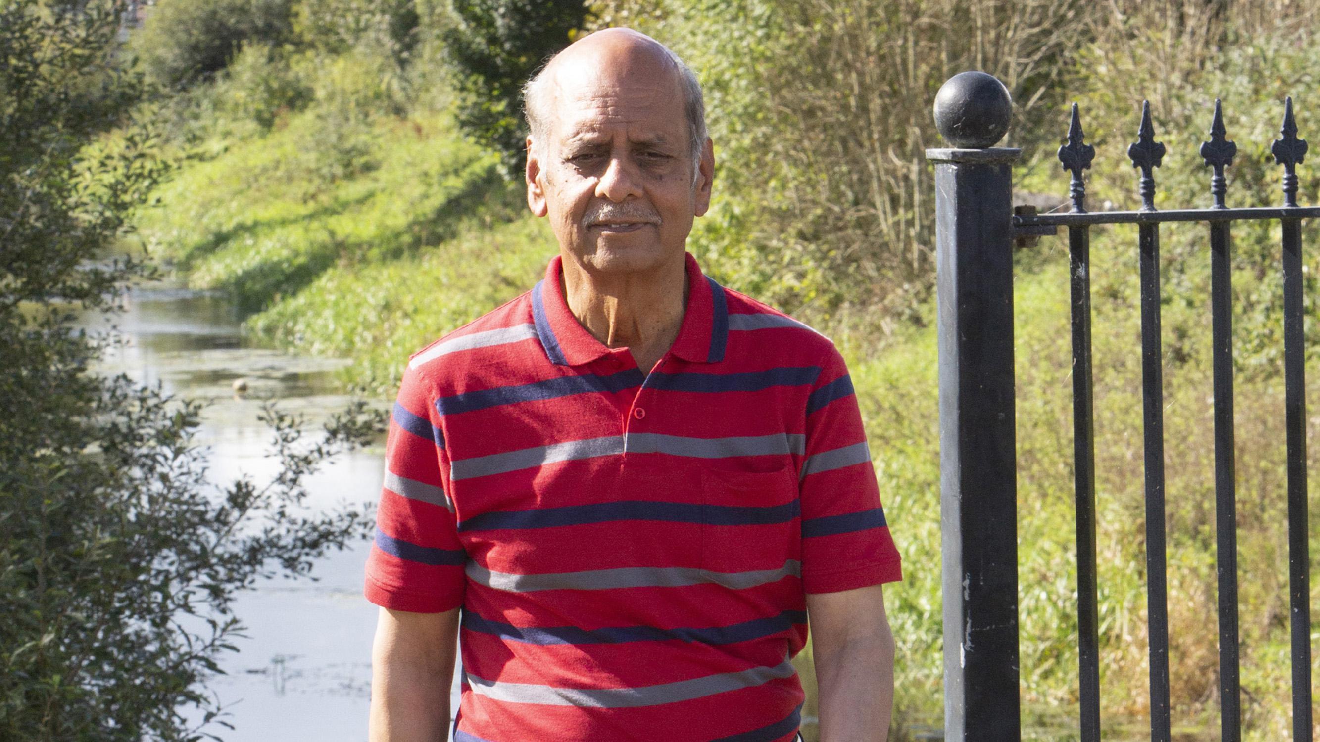 रिटायर्ड इंजीनियर विनोद कहते हैं, वजन घटाने के लिए मैंने खानपान में कोई बदलाव नहीं किया है सिर्फ पैदल चला हूं।
