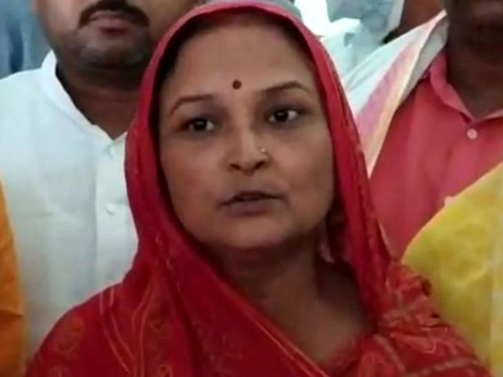 आरोपी की भाभी की धमकी- हमारी FIR दर्ज नहीं की तो घर की 7 औरतें आत्मदाह कर लेंगी उत्तरप्रदेश,Uttar Pradesh - Dainik Bhaskar