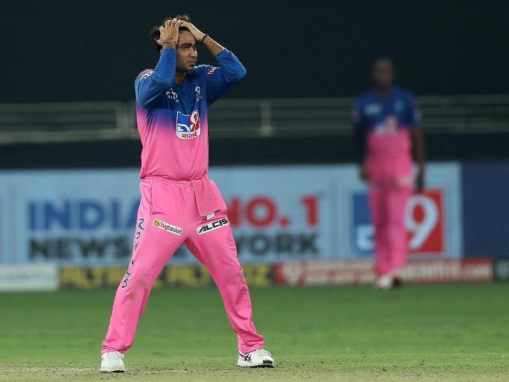 राहुल तेवतिया ने 4 ओवर में सिर्फ 25 रन दिए, लेकिन उन्हें कोई विकेट नहीं मिला।
