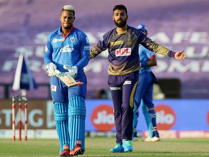 वरुण चक्रवर्ती ने अय्यर, पंत समेत दिल्ली के 5 बल्लेबाजों को अपना शिकार बनाया।