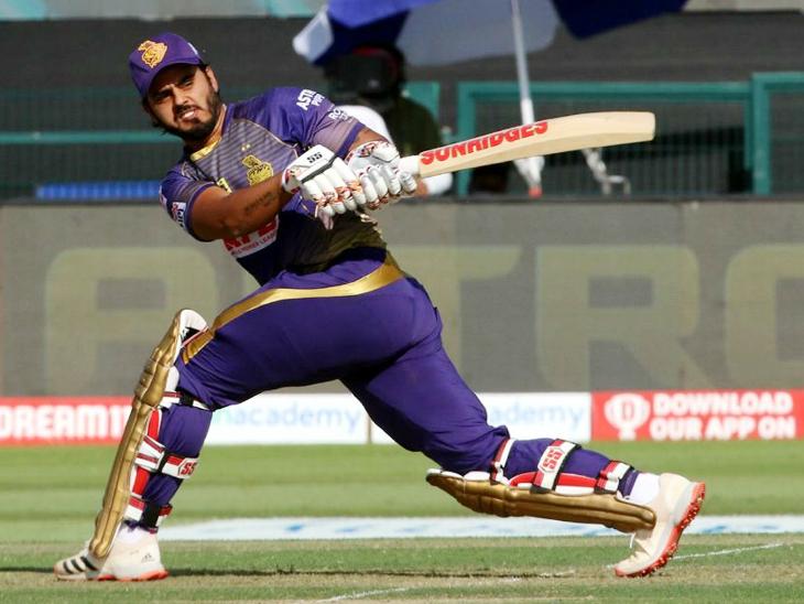 नीतीश राणा ने कोलकाता की पारी को संभाला। उन्होंने 53 बॉल पर 81 रन की पारी खेली। इस दौरान उन्होंने 13 चौके और एक छक्का लगाया।