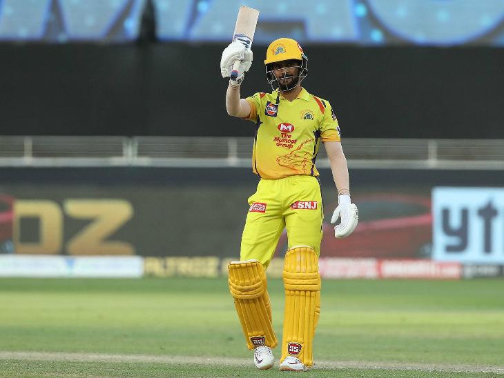 गायकवाड़ ने आईपीएल में अपनी पहली फिफ्टी लगाई। उन्होंने नाबाद 65 रन बनाए और छक्का लगाकर चेन्नई को जीत दिलाई।