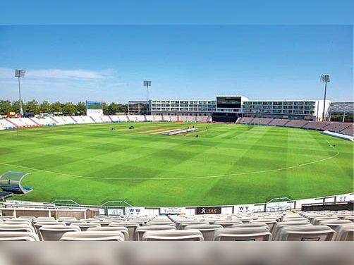 ऑस्ट्रेलिया व इंग्लैंड के बाद अब भारतीय क्रिकेटर्स की सैलरी कट सकती है मुंबई,Mumbai - Dainik Bhaskar