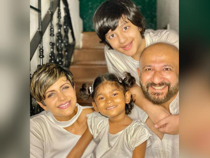 मंदिरा बेदी ने 4 महीने पहले गोद ली एक बेटी तारा, दशहरे पर करवाया इंट्रो और लिखा- खुली बांहों से घर में स्वागत है|बॉलीवुड,Bollywood - Dainik Bhaskar