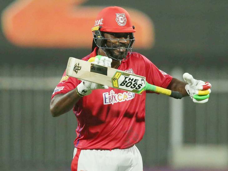 यूनिवर्स बॉस क्रिस गेल ने IPL में अपनी 30वीं फिफ्टी लगाकर अपनी टीम को प्ले-ऑफ के रेस बनाए रखा।
