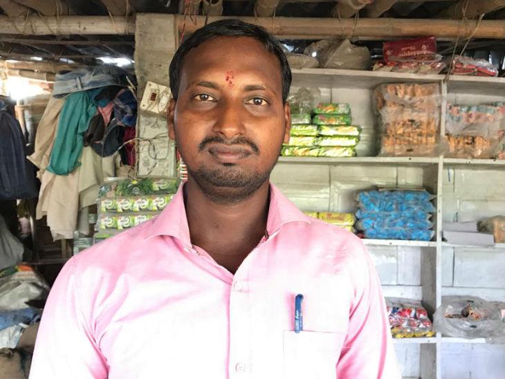 इस पूरे गांव के इकलौते ग्रैजुएट पंकज कुमार बताते हैं, 'गांव की स्थिति ऐसी है कि कोई अपनी बेटी की शादी यहां नहीं कराना चाहता।