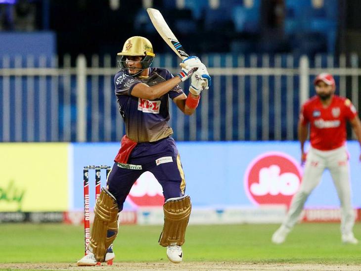 कोलकाता के ओपनर शुभमन गिल ने IPL में अपनी 7वीं फिफ्टी लगाई।
