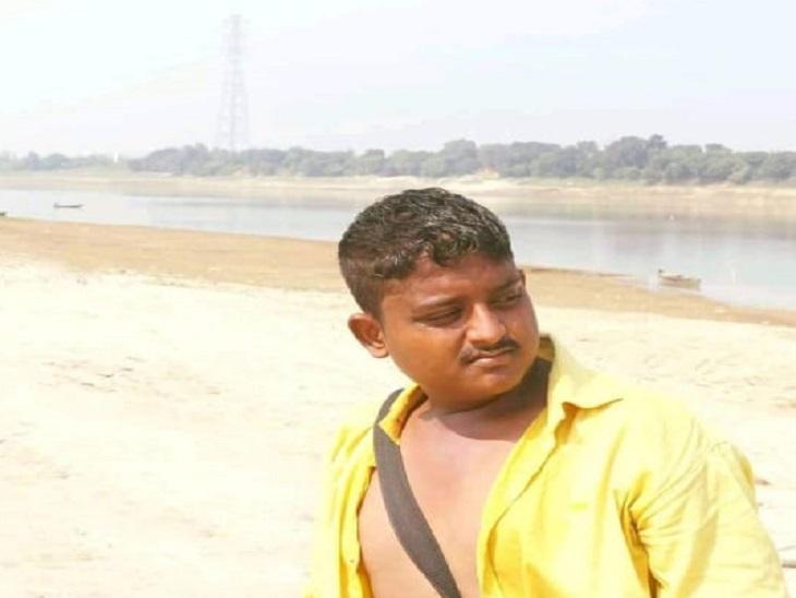 अमित गाइन दोस्तों के साथ दुर्गा विसर्जन के कार्यक्रम में शामिल हुआ था।सूत्रों की मानें तो युवकों के गुटों में यही झगड़ा हुआ था।
