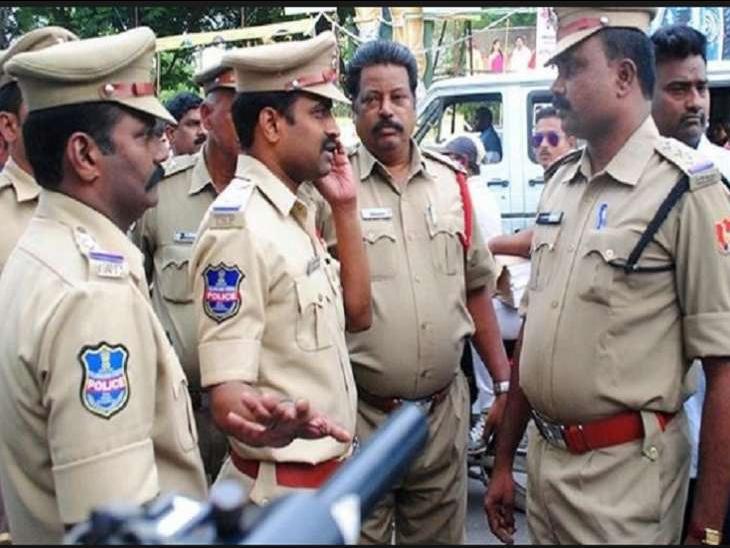 BJP उम्मीदवार के रिश्तेदार के घर से पुलिस ने जब्त किए 18.67 लाख रुपए, बाहर निकलते ही समर्थकों ने लूट लिया|देश,National - Dainik Bhaskar