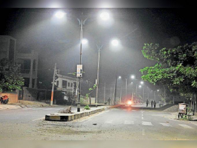 रात का पारा 19 डिग्री पहुंचा,सर्दी असर दिखाने लगी बाड़मेर,Barmer - Dainik Bhaskar