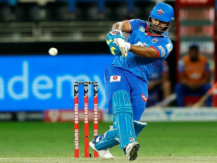 ऋषभ पंत ने 36 रन की पारी खेली, लेकिन अपनी टीम को बड़ी हार से नहीं बचा सके।