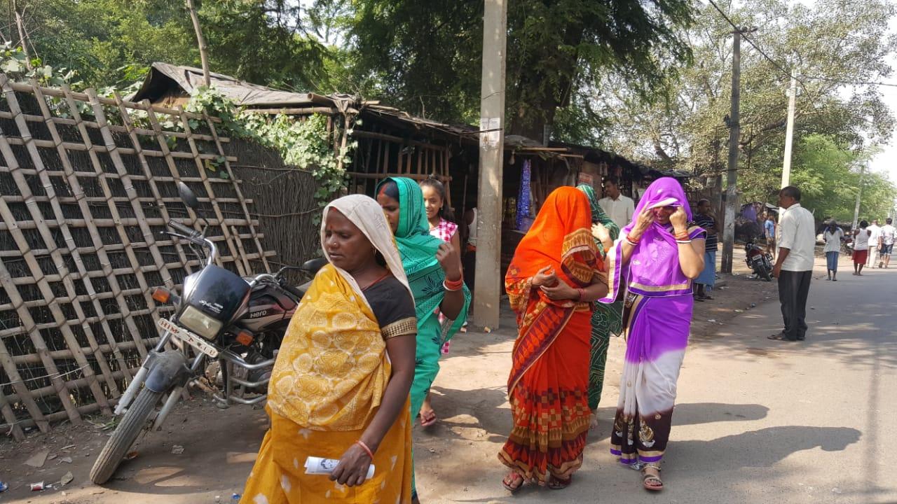 पहले चरण के मतदान के लिए महिलाओं में काफी उत्साह