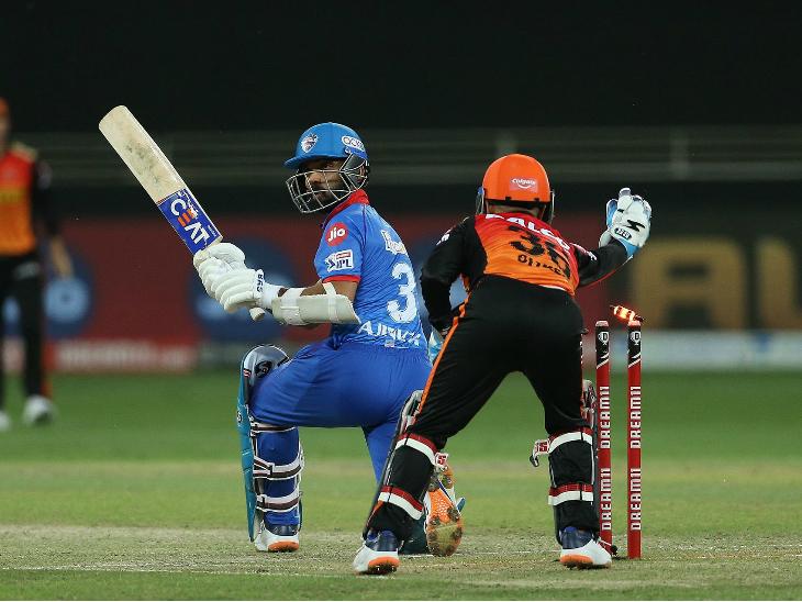अजिंक्य रहाणे ने 26 रन बनाए, लेकिन बड़ी पारी नहीं खेल सके।