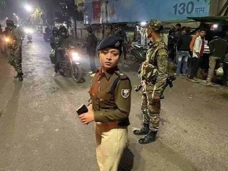 मुंगेर पुलिस की कार्रवाई के बाद एसपी लिपि सिंह सवालों के घेरे में हैं। - Dainik Bhaskar