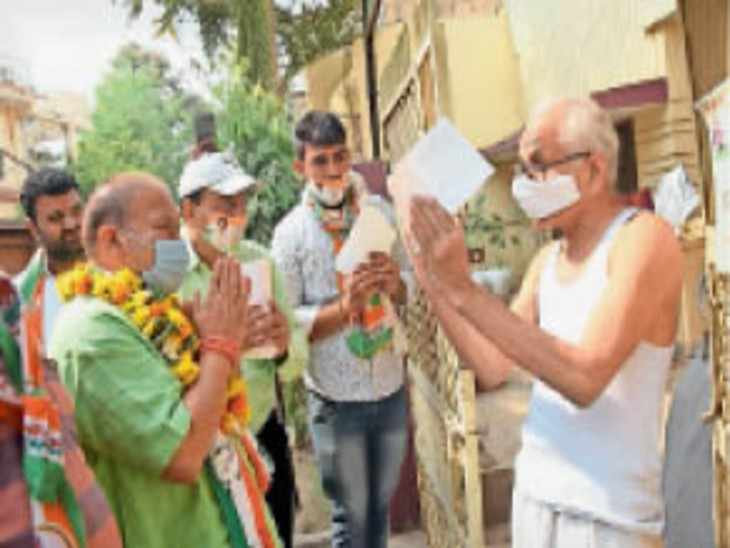 जनता के बीच पहुंचे डॉ. सतीश सिंह सिकरवार