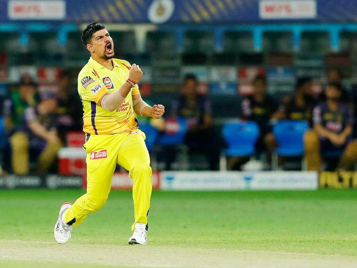 கர்ன் சர்மா 4 ஓவர்களில் 35 ரன்களுக்கு ஒரு விக்கெட் எடுத்தார்.