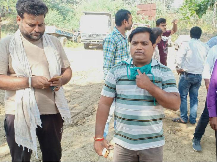 बीच बाजार 9वीं के छात्र का अपहरण; पुलिस ने शहर में नाकेबंदी की तो खुद थाने लेकर पहुंचे अपहरणकर्ता|प्रयागराज,Prayagraj - Dainik Bhaskar