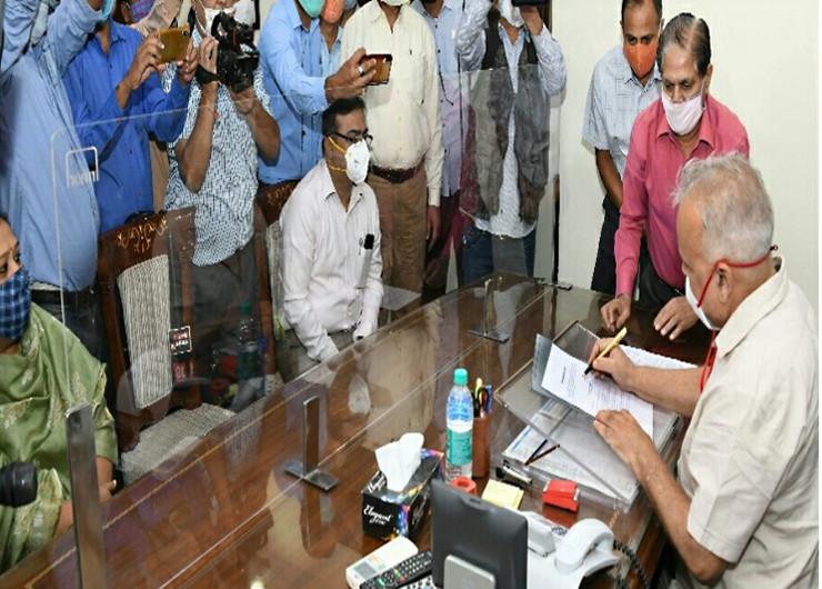 आईएएस निरंजन कुमार आर्य ने पदभार ग्रहण किया, राज्य के पहले मुख्य सचिव जो अनुसूचित जाति के हैं जयपुर,Jaipur - Dainik Bhaskar
