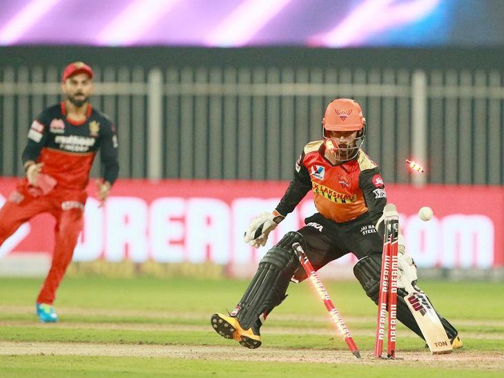 सनराइजर्स के लिए ऋद्धिमान साहा ने सबसे ज्यादा 39 रन की पारी खेली। उन्हें विकेटकीपर एबी डिविलियर्स ने युजवेंद्र चहल की बॉल पर स्टंप आउट किया।