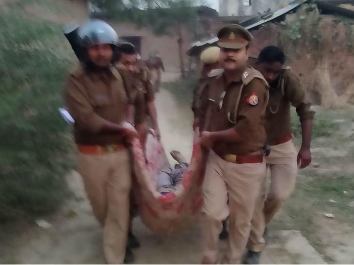 प्रतापगढ़ में पिता-पुत्र की गोली मारकर हत्या; तनाव के चलते 12 थानों की फोर्स तैनात, यहीं 7 साल पहले सीओ जियाउल की हुई थी हत्या|उत्तरप्रदेश,Uttar Pradesh - Dainik Bhaskar