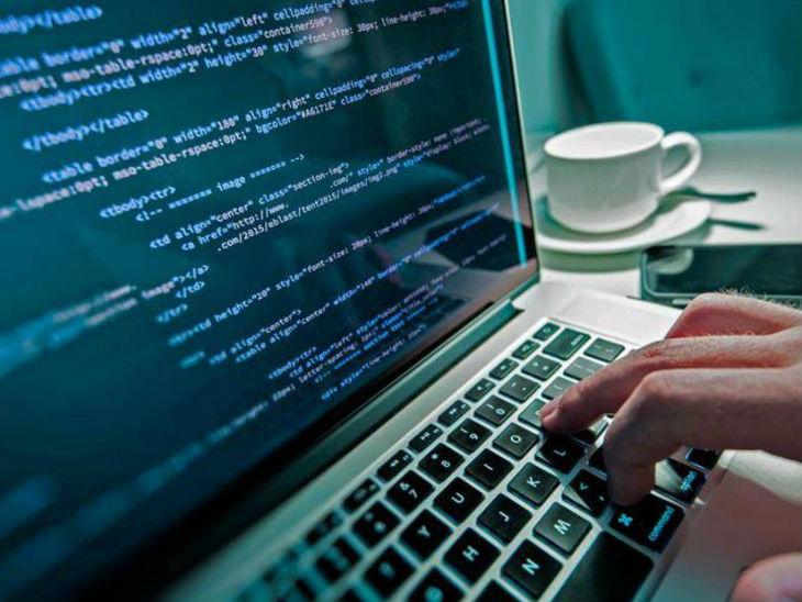 55 डॉलर्स हर घंटे कमाने का मौका है कोडिंग, जानें करिअर के लिए कोडिंग के फायदों और इसे सीखने के तरीके को समझना।