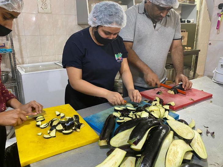 भारतीय समुदाय के लोग खाना बनाने से लेकर घायल सैनिकों की जान बचाने में आर्मेनिया की मदद कर रहे हैं।